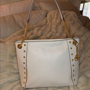 Michael Kors- Kathy large studded satchel NWT 💕